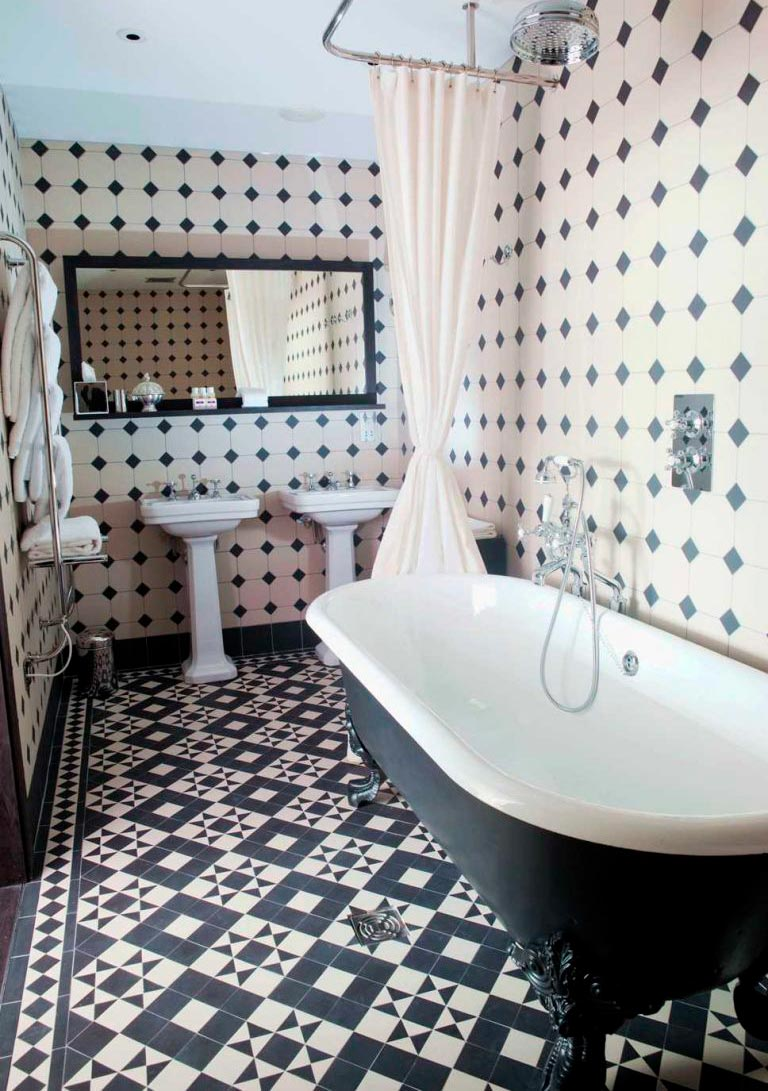 Варианты дизайна черно-белой ванны 52