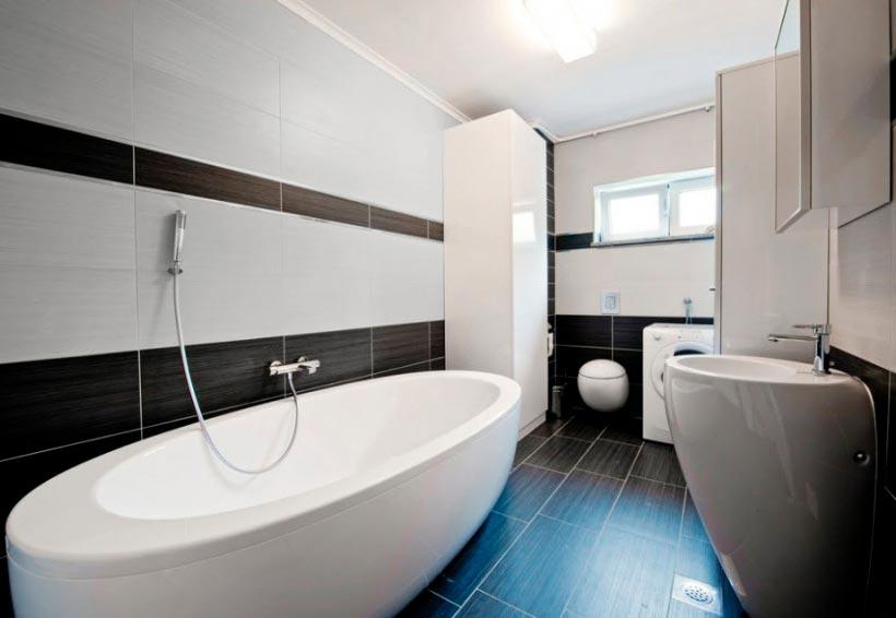 Варианты дизайна ванны с белой плиткой 2