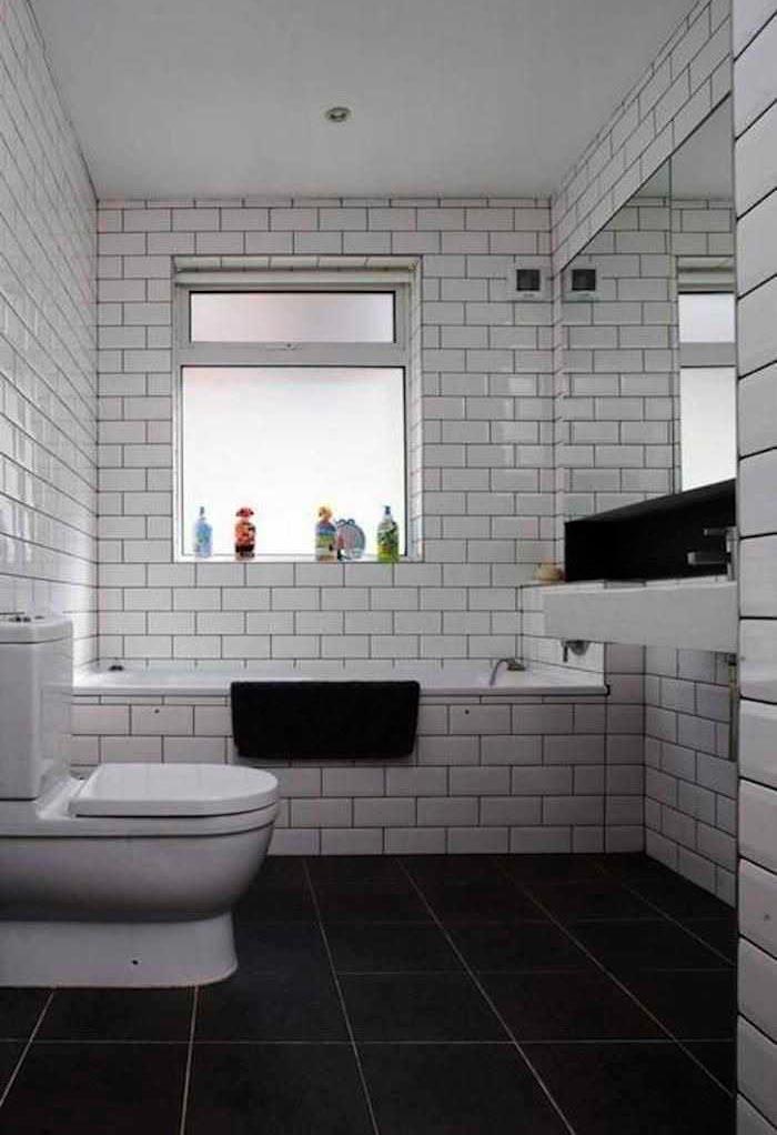 Варианты дизайна ванны с белой плиткой 3