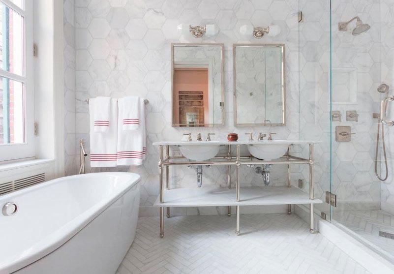 Варианты дизайна ванны с белой плиткой 35