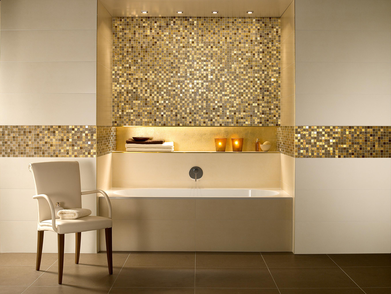 Сочетание итальянской большой плитки и мозаики в ванной