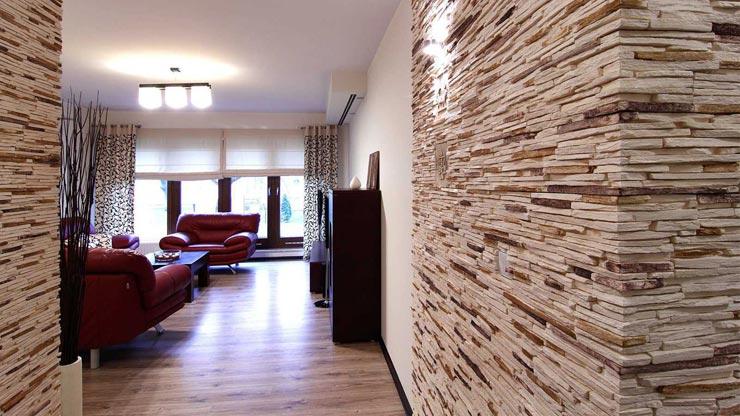 Декоративная плитка в гостиной
