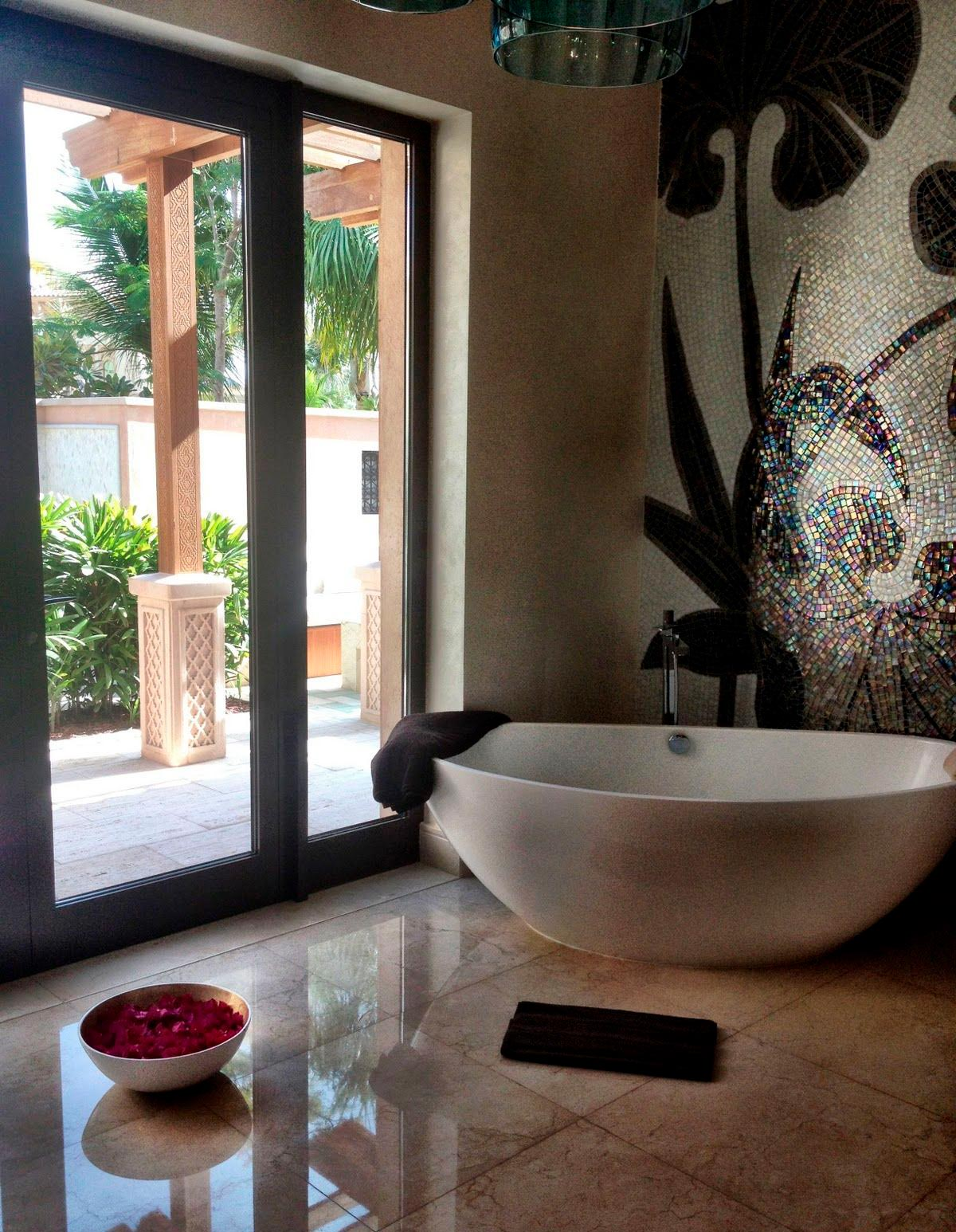 Другие варианты дизайна панно в ванной 12