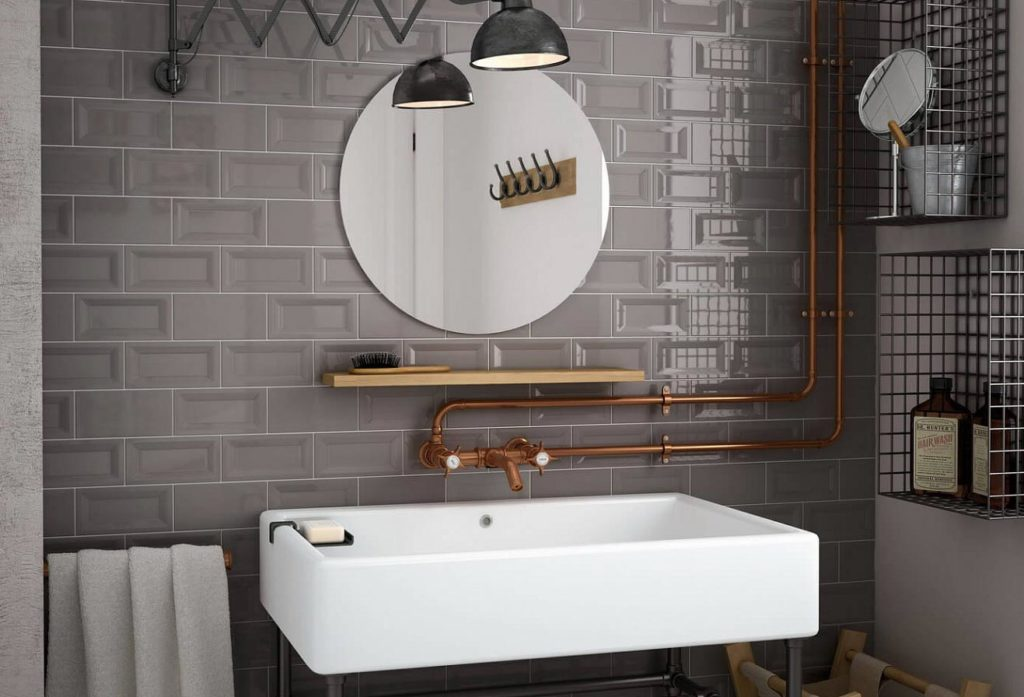 глянцевая плитка для ванной комнаты