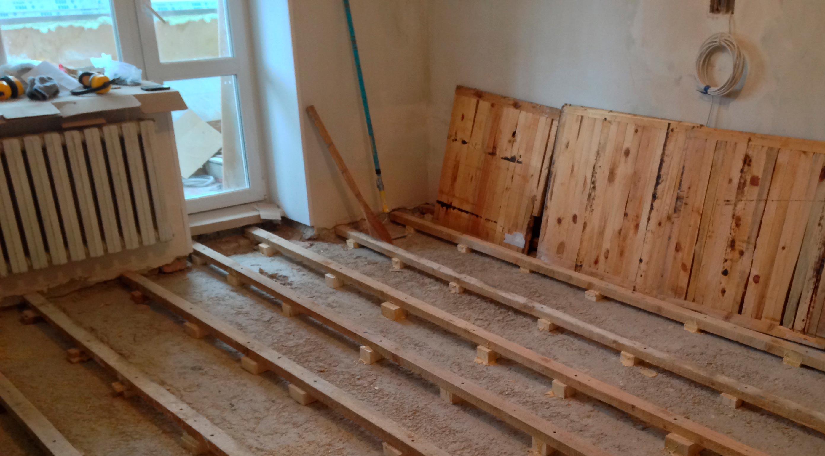 Хорошее состояние основания деревянного пола перед укладкой плиткой