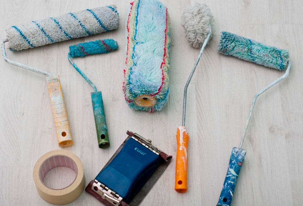 Инструменты для покраски плитки в ванной