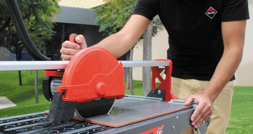 как резать плитку электрическим плиткорезом-советы