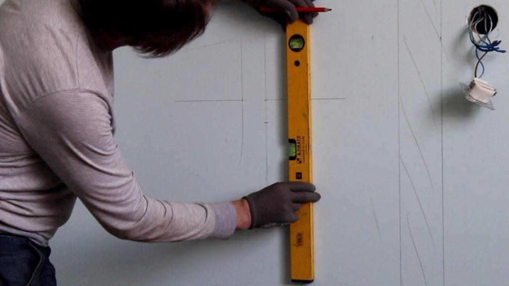 нанесение разметки для плитки мозаики