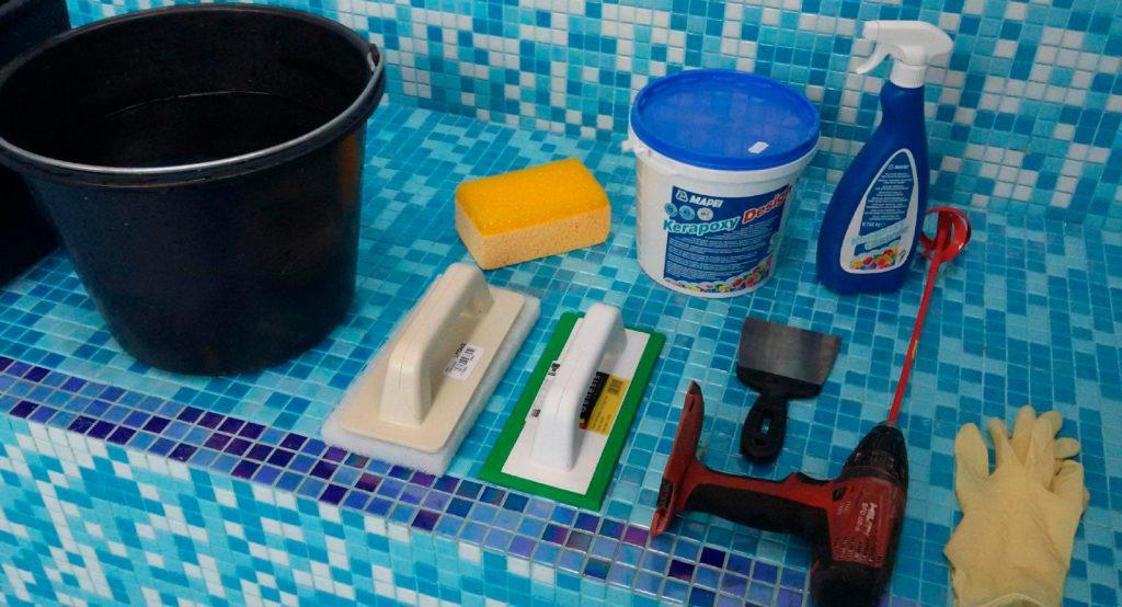 Необходимые инструменты для затирки швов керамической плитки