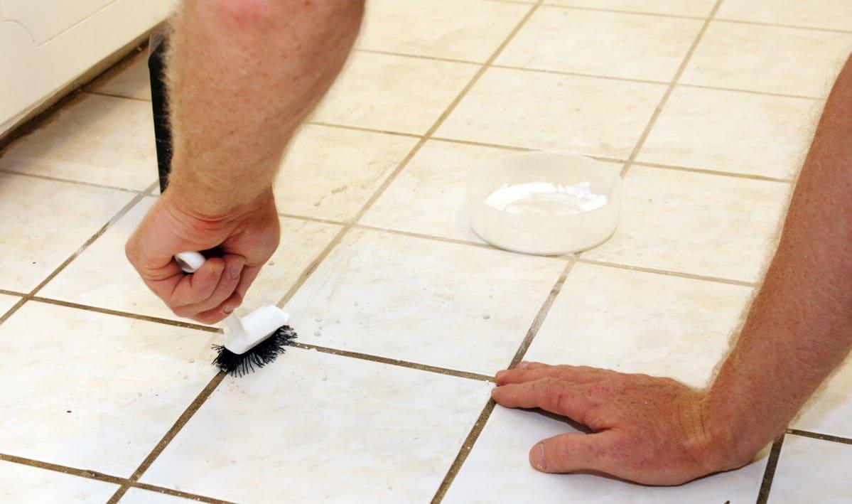 очистка межплиточных швов