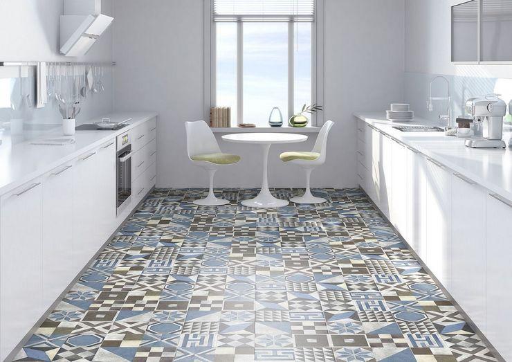 Плитка пэчворк на полу кухни