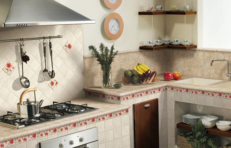 Плитка прованс в произвольном порядке на кухне