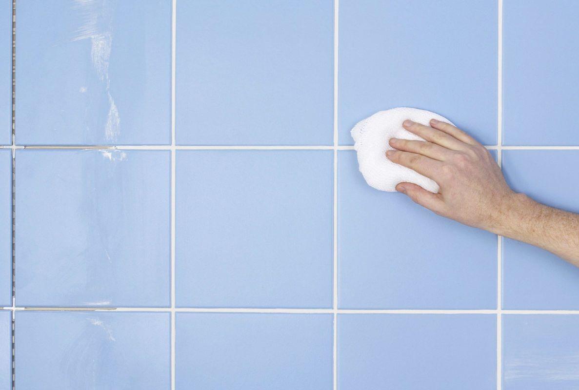 швы плитки обрабатывают водой