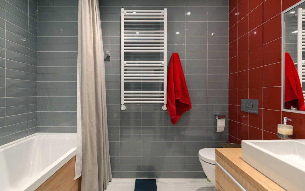 сочетание серого с мягкими оттенками плитка ванна