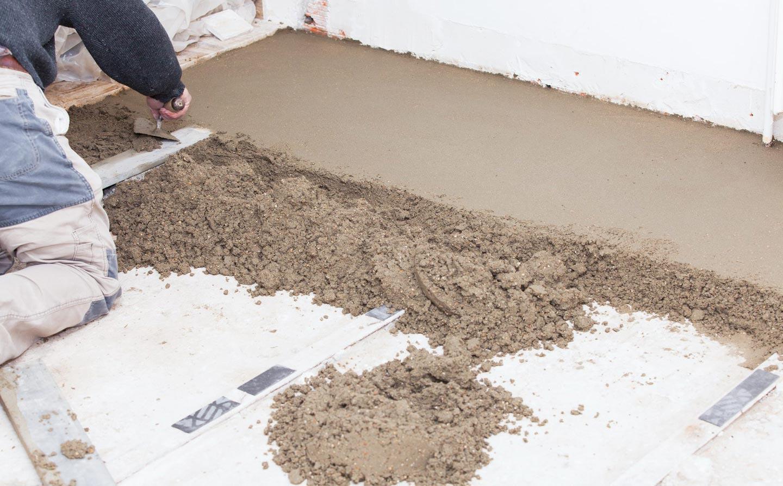 сплошная стяжка на пол в ванной под плитку-советы