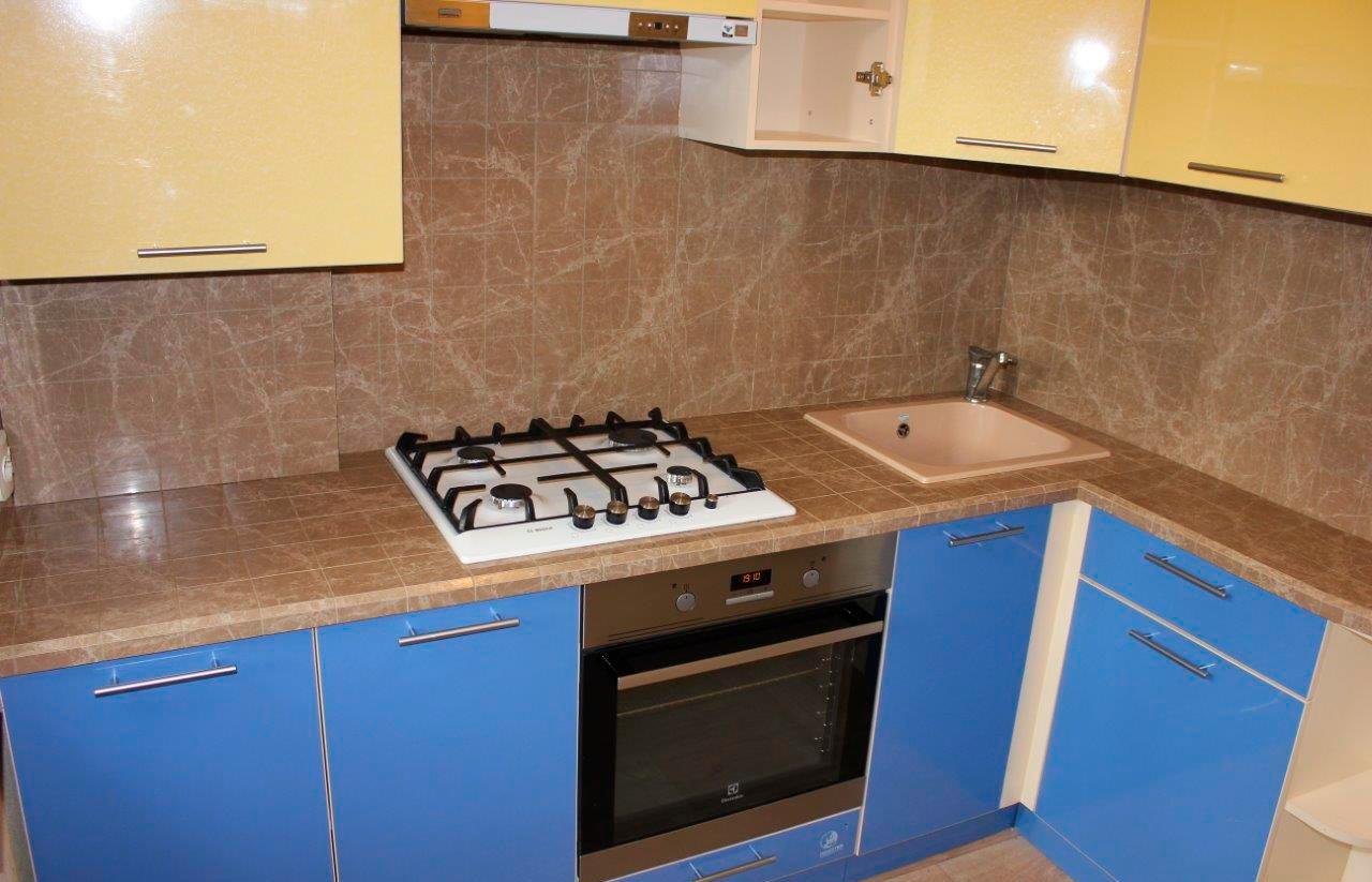 Столешница из керамогранитной плитки на кухню