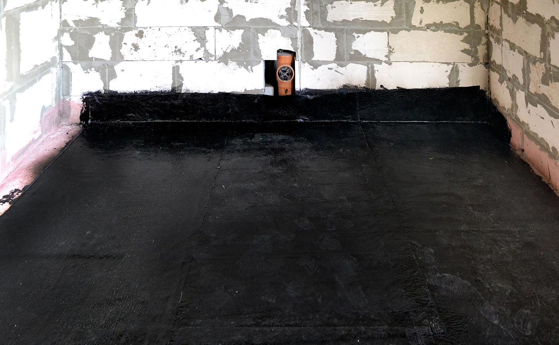 стяжка на пол в ванной-гидроизоляция