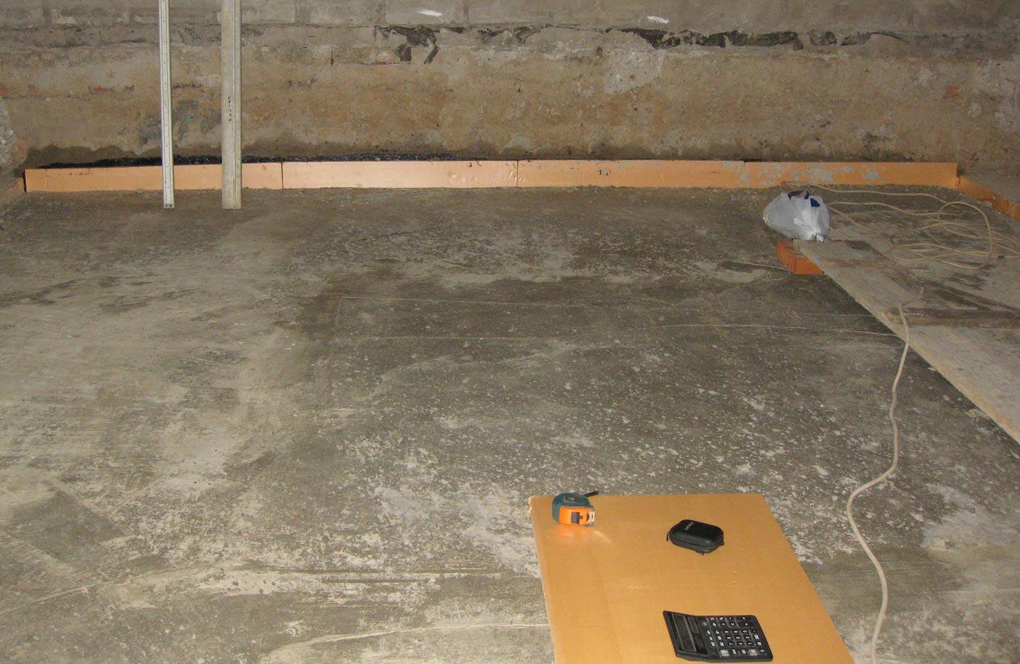 стяжка на пол в ванной под плитку-подготовка