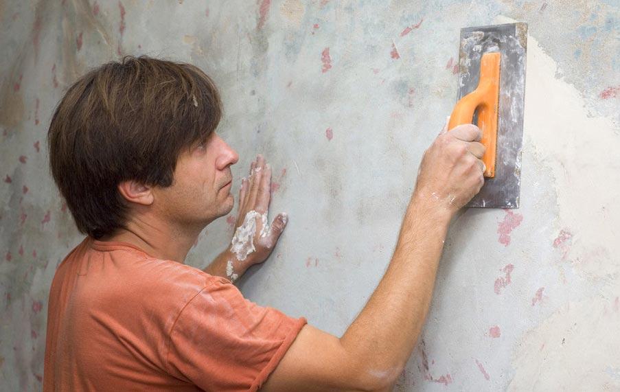 укладка плитки в ванной-шлифование и грунтовка стен