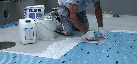 водостойкий плиточный клей для бассейнов