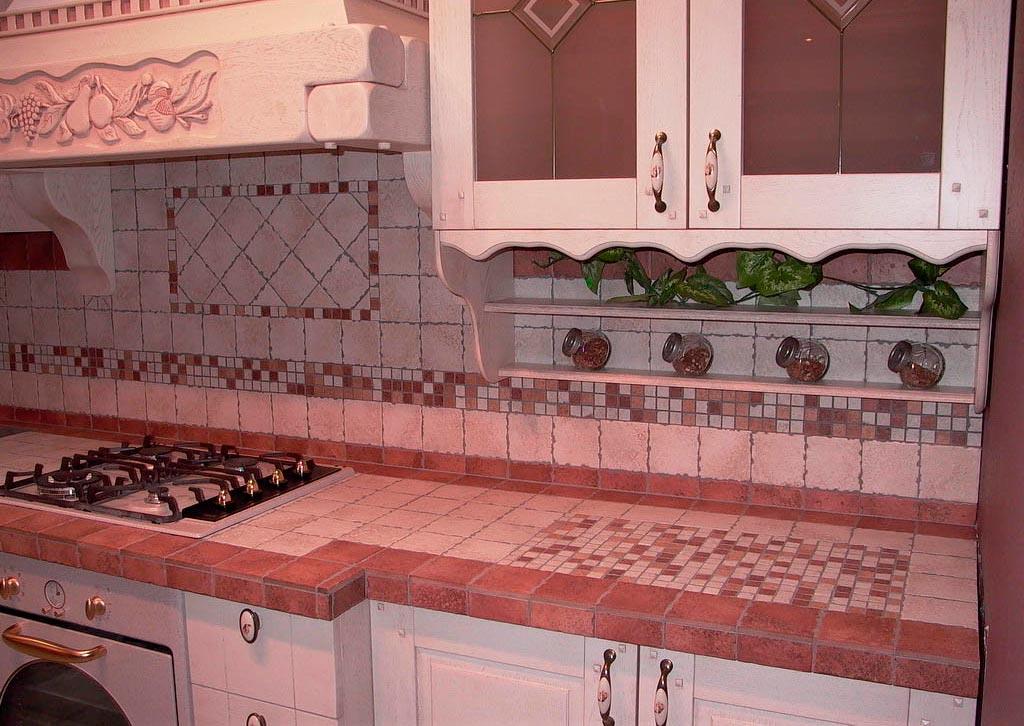 Выбор плитки для облицовки столешницы на кухню