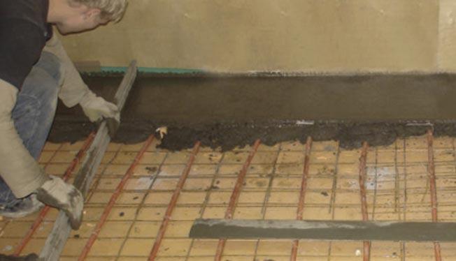заливка стяжки под теплый пол в бане-советы