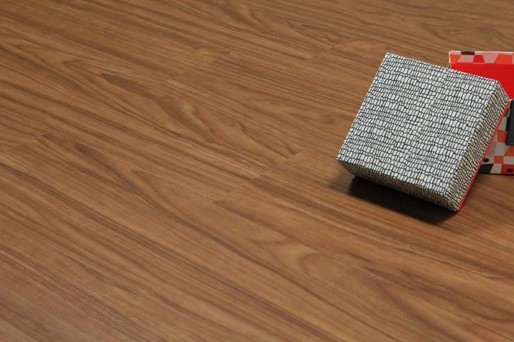 Замковая кварцвиниловая плитка