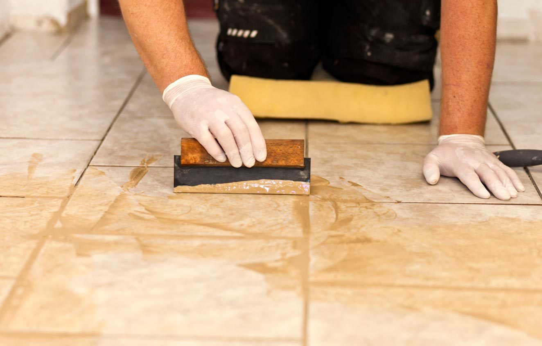 Затирка после укладки деревянного пола плиткой