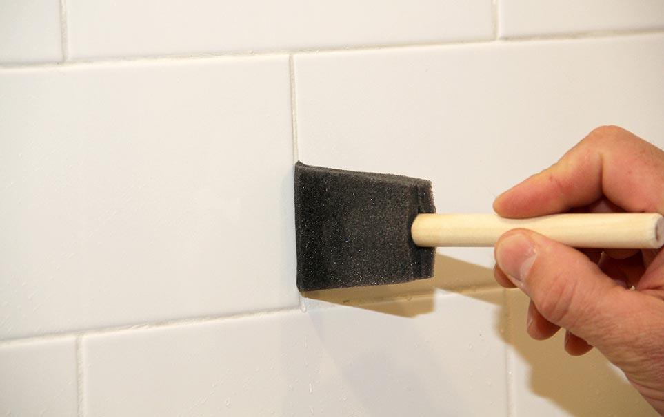 затирка швов плитки на кухне