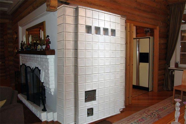 облицованная плиткой печь фото