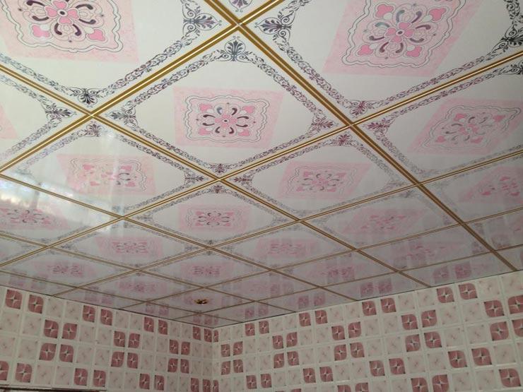 Пластиковая потолочная плитка в интерьере