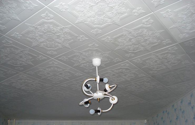 потолочная плитка ромбом от люстры