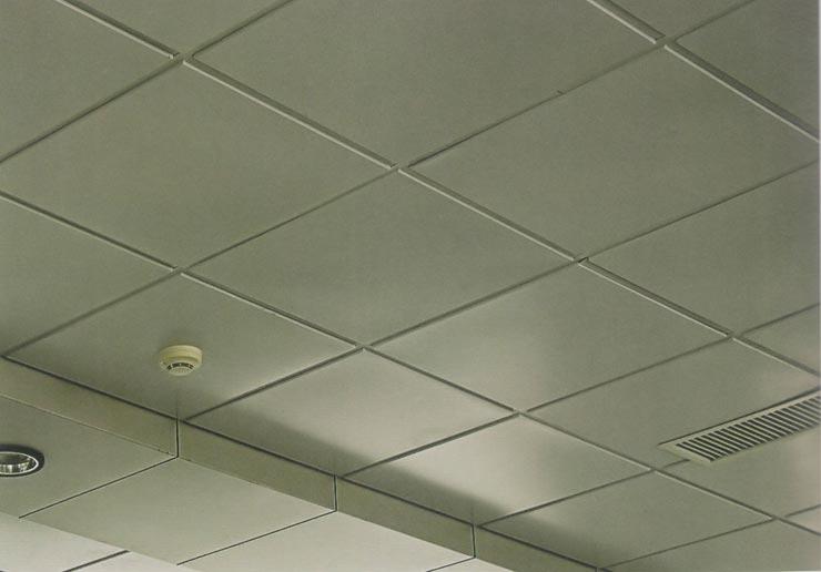Потолочная плитка с кромками